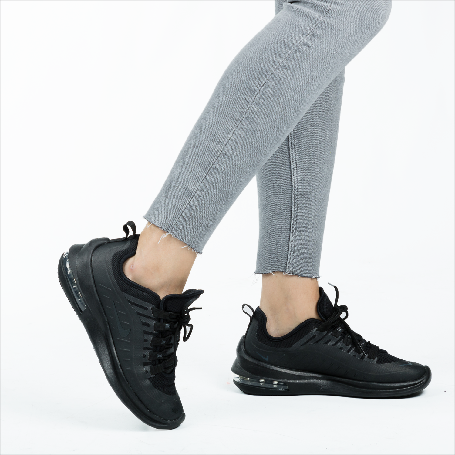 Black NIKE Sneakers AIR MAX AXIS WMNS - Omoda.com
