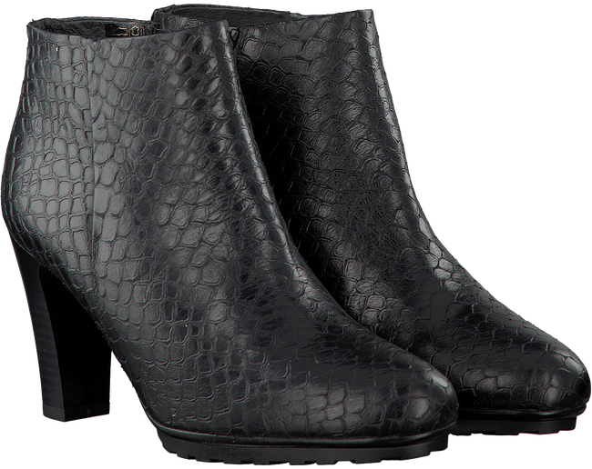 Black OMODA Booties 051.920 - large